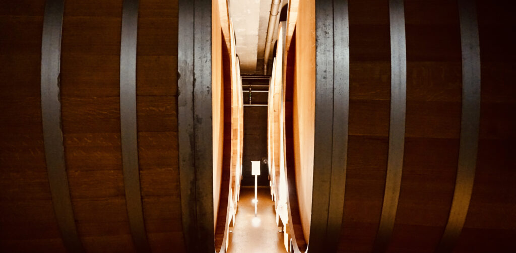 Weinfässer der Sektkellerei Bernard Massard Foto: Sebastian Graef