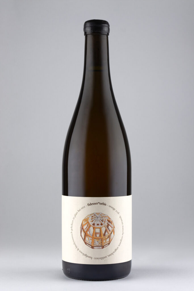 Orange wine von Weingut Fidesser der Linie fidesser*orbis